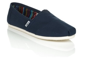 navy-canvas-shoe