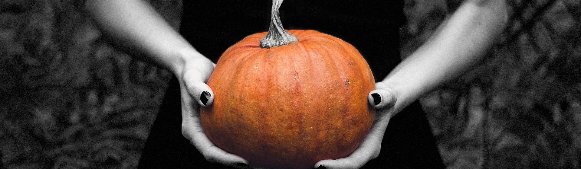 8 Spookily Brilliant Halloween Costume Ideas