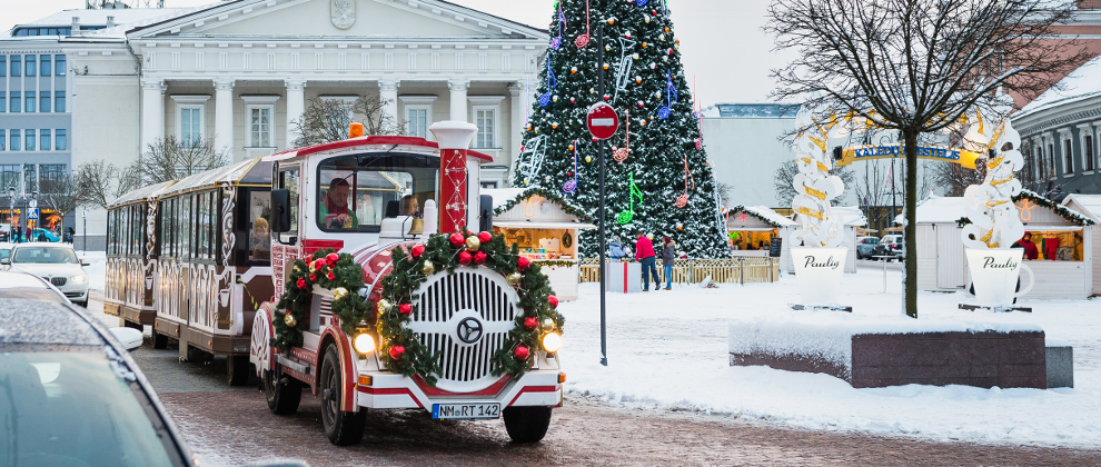 10 Cities With The Most Dazzling Christmas Displays
