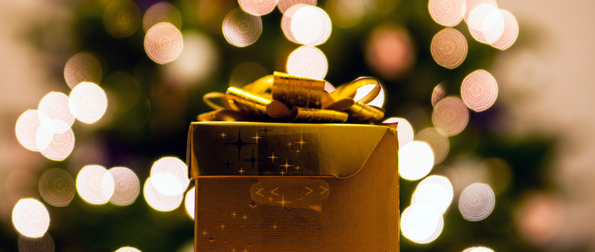Gift Guide: Luxury Christmas Gifts for Her
