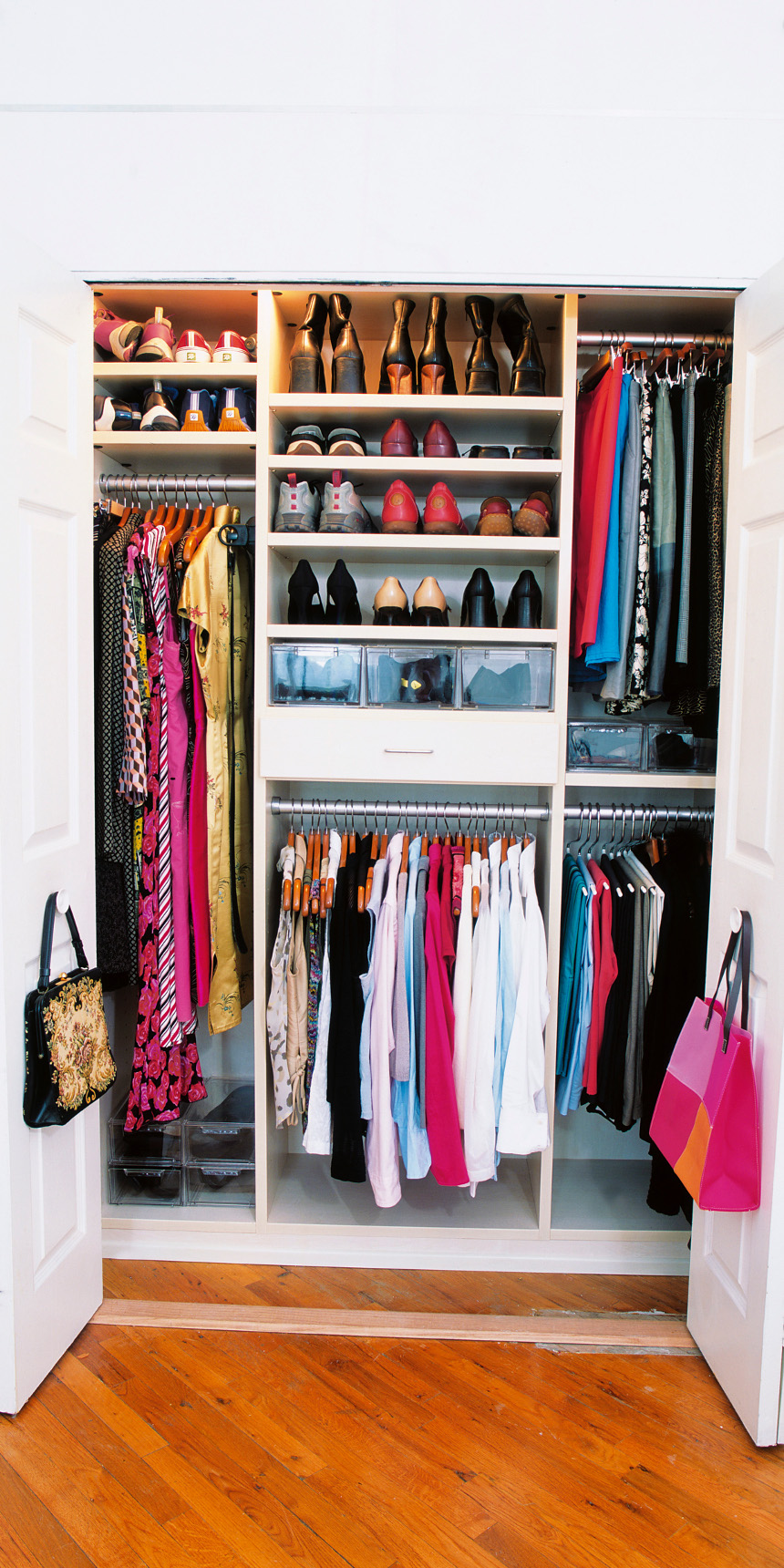 How to Declutter Your Wardrobe for the New Year