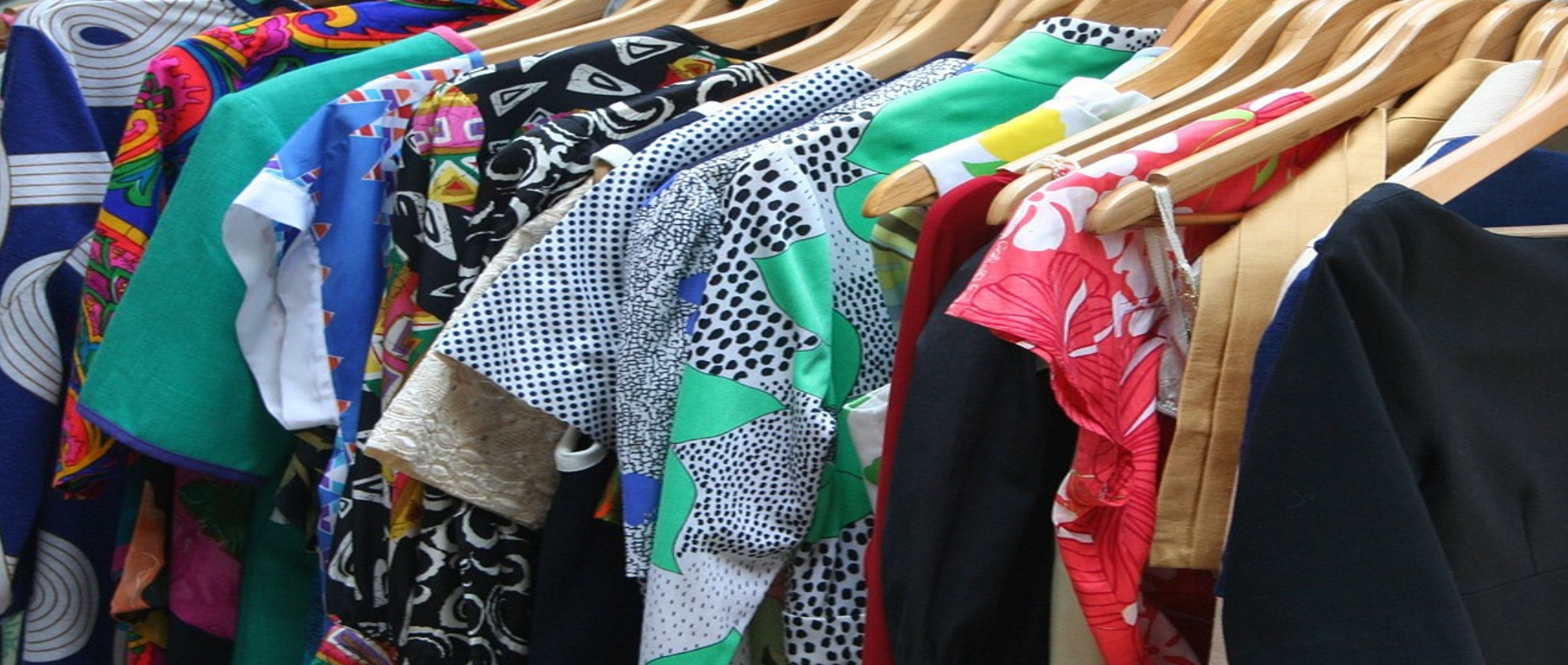De-clutter Your Wardrobe in 6 Simple Steps!